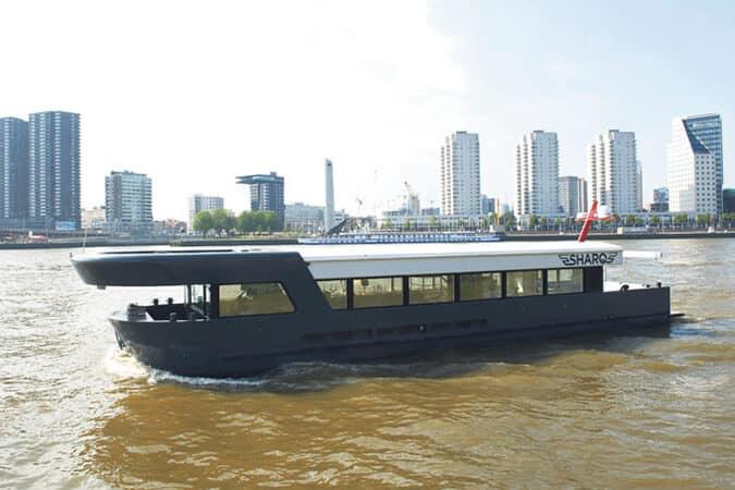 Houseboat Sharq Explorer